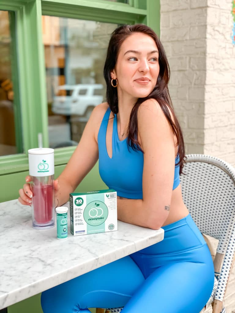 woman with Superfood Tabs